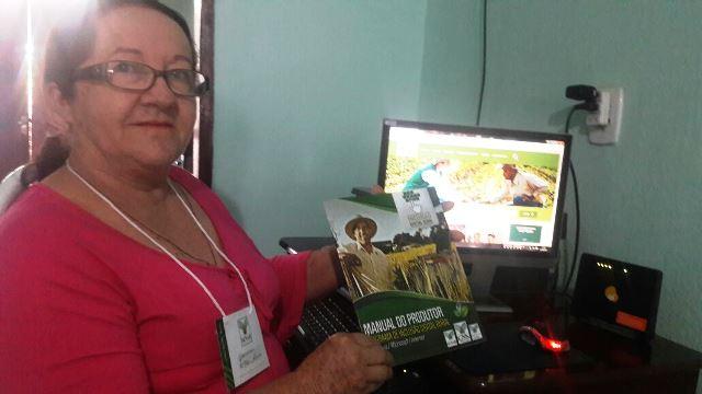 Francisca Alves aprendeu a usar o computador ao 66 anos.