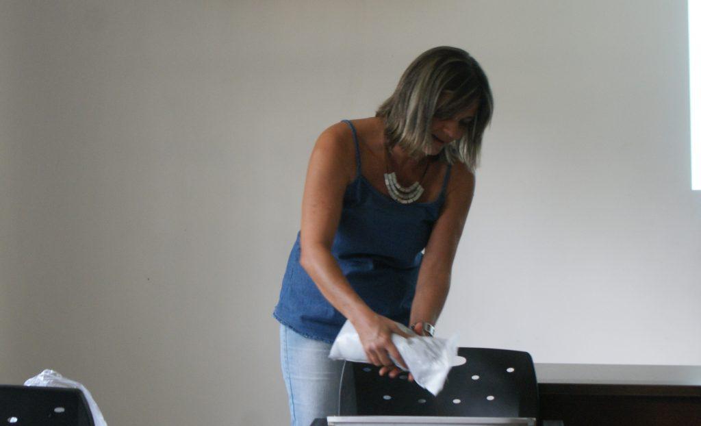 Silvana Alves dos Santos - instrutora do curso