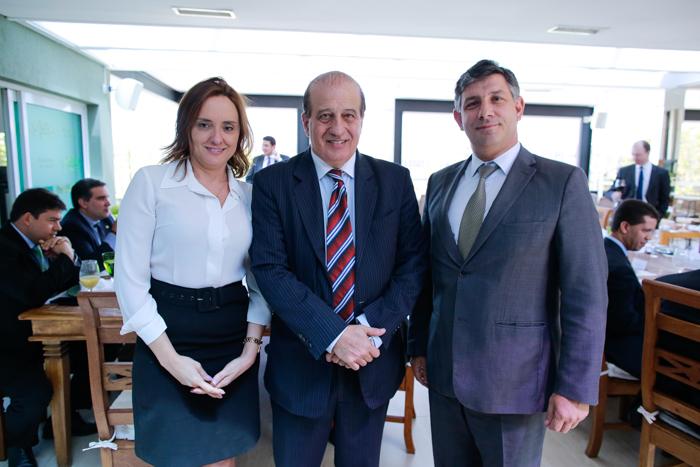 Eliziane de Souza Carvalho, chefe da Assessoria Jurídica do SENAR; Ministro do TCU, Augusto Nardes; Daniel Carrara, Secretário Executivo do SENAR