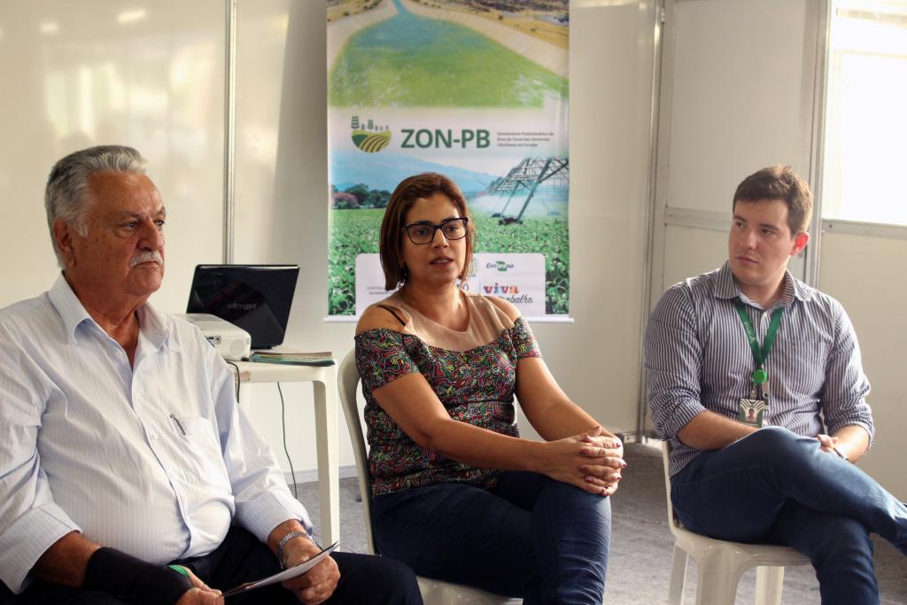 Marcelo Sena, Carla Saraiva e Gabriel Petelinkar